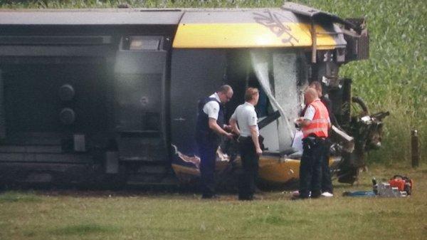 02-01-2019 - 2018-06-11 - Neufvilles - SNCB - Déraillement d'un train à vide à Neufvilles, la conductrice a été emmenée à l'hôpital (vidéo)