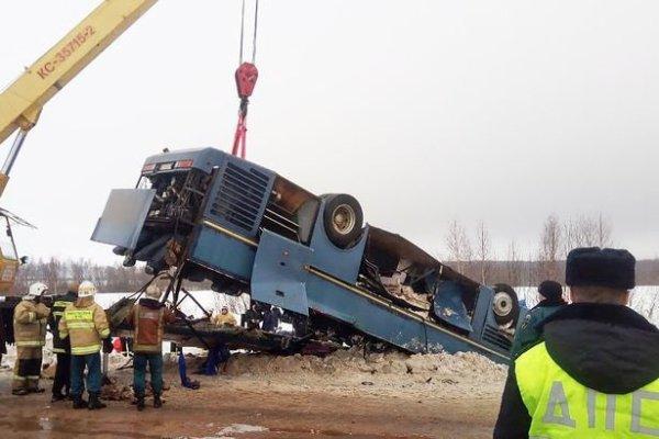 03-02-2019 - Russie - Moscou - L'autocar effectue une violente sortie de route et culbute. bilan: 7 morts et 24 blessés