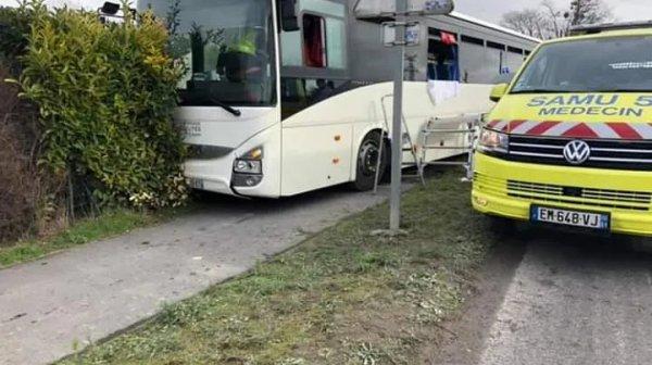 06-02-2019 - Boult-sur-Suippes, près de Reims - Le chauffeur du car décède au volant alors qu'il transporte des enfants