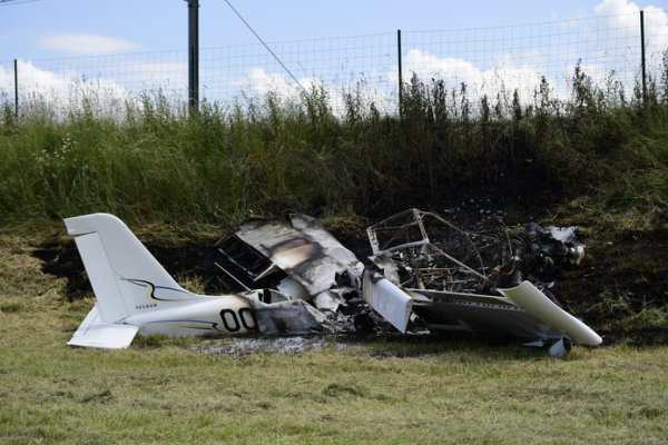 19-06-2019 - Crash d'un avion le long de la E40: les deux passagers sont blessés mais «conscients»