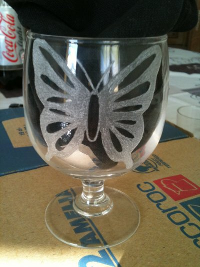 un verre de papillon