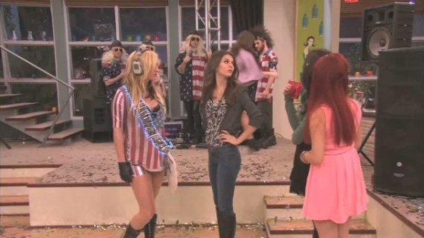 Victoria Justice&Kesha ♥