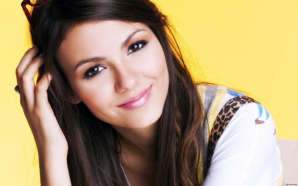 New photos de Victoria Justice