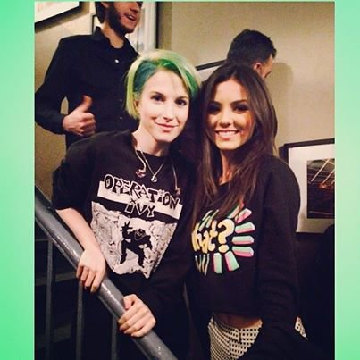 "Hayley Williams & Victoria Justice "" Mtv """