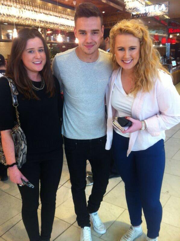 (02.06) Liam avec des Fans à Londres / Niall avec des Fans à Mullingar / Appart' de Liam / Harry & Gemma *.* / (03.06) Liam avec des Fans à Westfield (Londres) ♥