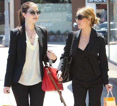 Candids 25 Août : Shopping avec Michelle Trachtenberg