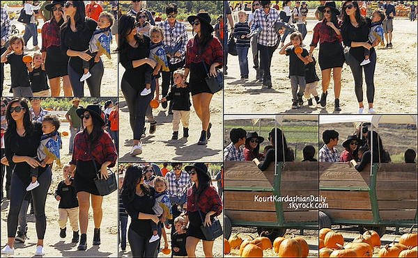 . 18/10/2014 : Kourtney, Mason, Penelope, Kim, Kanye, North & Kris sont allés au 17th Annual Fall Harvest Festival à la Underwood Family Farms à Moorpark. Kourtney porte une robe Seraphine & une chemise After Party à 35¤. .