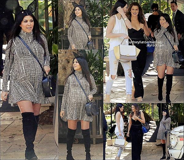 . 03/11/2014 : Kourtney, Khloé, Kendall & Kris ont été vues quittant l'Hôtel Bel-Air de Beverly Hills. Kourtney porte une robe Rachel Pally à 168¤, des bottes Stuart Weitzman  & un sac Chanel. .