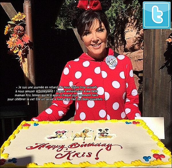 . 05/11/2014 : Kourtney, Mason & Kris sont allées fêter l'anniversaire de Kris à Disneyland dans l'Anaheim. Kourtney porte des baskets Nike. .