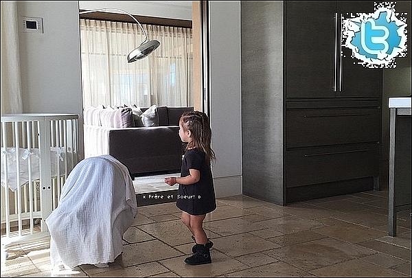 . 16/01/2015 : Kourtney a posté des photos d'elle prête pour faire du sport. Kourtney porte des baskets Nike.   .
