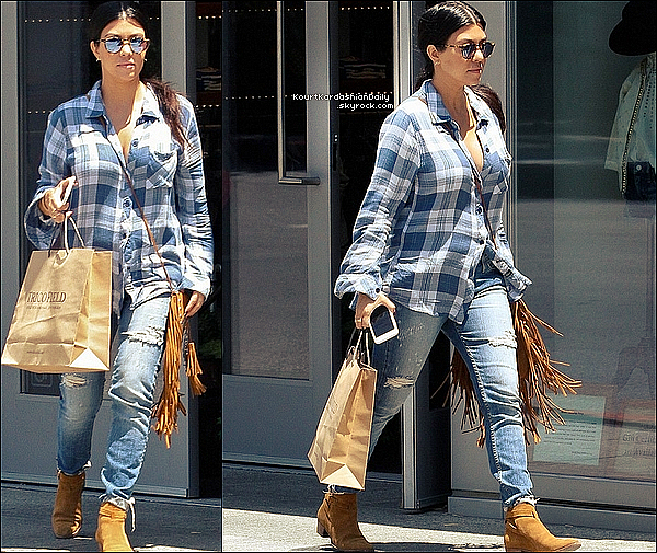 . 21/o5/2o15 : Kourtney a posté une photo issue d'un « Photoshoot » - Los Angles. .