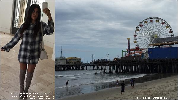. 22/o5/2o15 : Kourt est allée « à la Plage » - à Los Angeles. ● Kourtney porte une Chemise Rails & des Bottes Stuart Weitzman.  .
