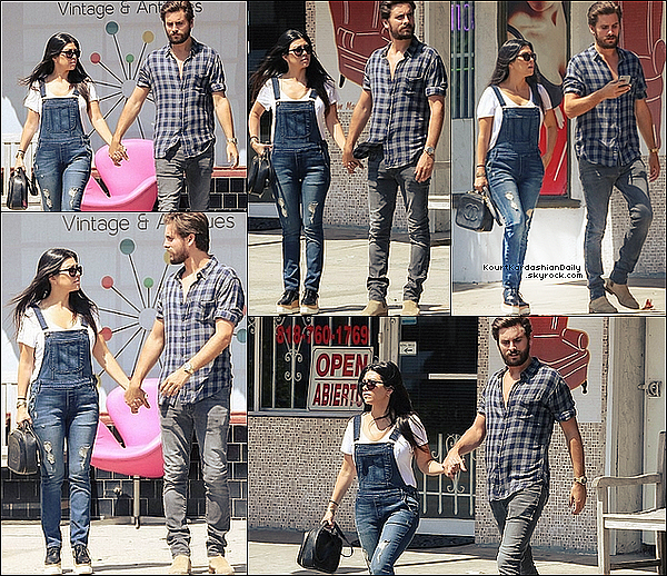 . 29/o5/2o15 : Kourt & Scott sont allés à « Ai Modern Store » - dans le North Hollywood. ● Kourtney porte un Sac Chanel & des Chaussures Stella Mc Cartney.  .