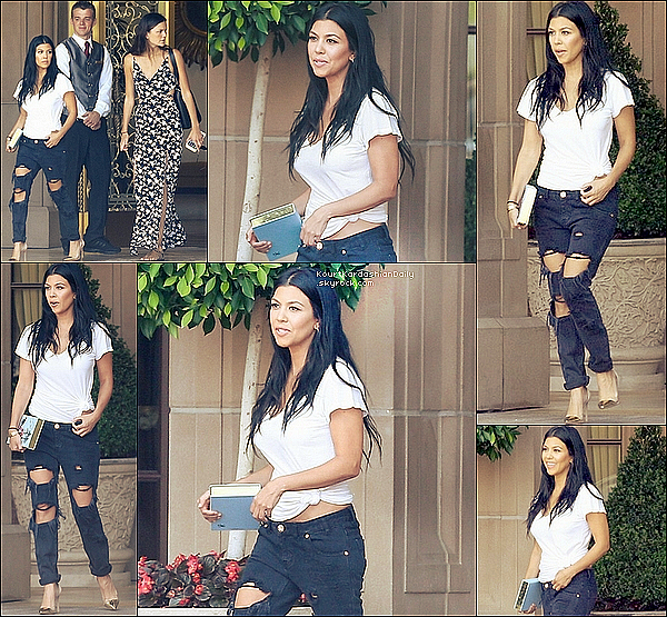 . 17/o7/2o15 : Kourtney & une amie ont été vues quittant le « Montage Hotel » - à Beverly Hills. ● Kourtney porte un Pantalon One Teaspoon à 125¤ & des Chaussures Gianvito Rossi à 680¤.  .