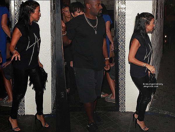 . 22/o8/2o15 : Kourtney, Kris & Corey sont allés dîner à « Casa Vega Restaurant » - à Sherman Oaks. ● Kourtney porte un T-Shirt Local Authority, un Bracelet Cartier & des Escarpins Alexander McQueen à 745¤.  .