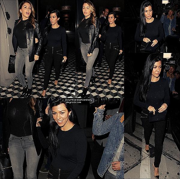 . 07/11/2o15 : Kourtney & Larsa Pippen sont sorties dans un « Nightclub » - à L.A. ● Kourtney porte un Body Wolford à 220¤, un Pantalon Alice & Olivia, un Pochette Celine & des Escarpins Gianvito Rossi à 720¤.  .