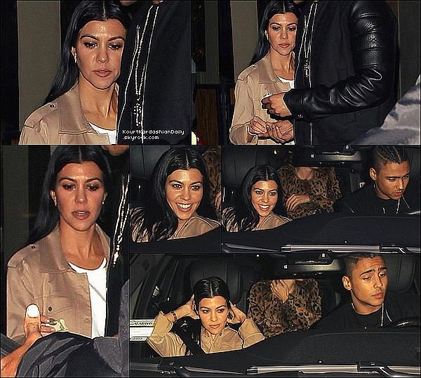 . 16/12/2o15 : Le soir, Kourtney est allée dîner à « IL Pastaio Restaurant » avec Quincy - à Beverly Hills. .