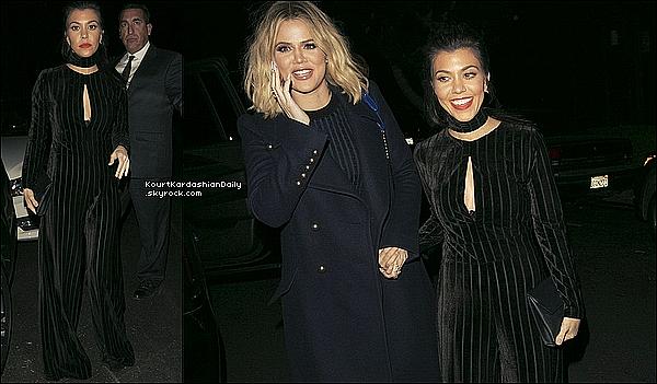 . o4/o2/2o16 : Le soir, Kourtney, Kylie & Khloé sont allées au « Nine Zero One Salon » - à West Hollywood. ● Kourtney porte une Combinaison Kyna[/g, une Pochette Celine & des Escarpins Gianvito Rossi à 490¤.  .