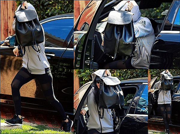 . o7/o3/2o16 : Kourtney est allée déjeuner à « Il Pastaio Restaurant » - à Beverly Hills. ● Kourtney porte une Veste Adidas, un Sac Mansur Gavriel, un Legging Lanston à 130¤ & des Baskets Apl à 160¤.  .