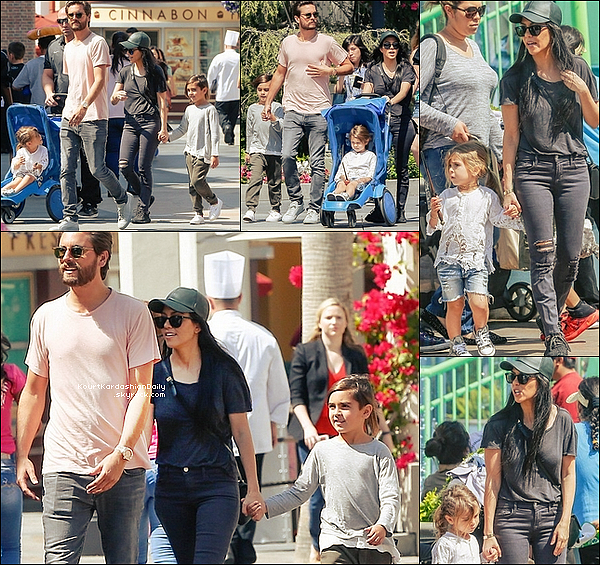 . 18/o3/2o16 : Kourtney & Scott ont emmenés Mason & Penelope au parc « Universal Studos » - à Hollywood. ● Kourtney porte des Baskets Adidas Yeezus.  .