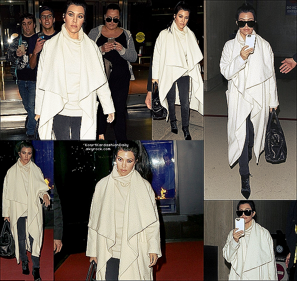 . 12/o4/2o16 : Kourtney a été vue au « JFK Airport » - à New-York. .
