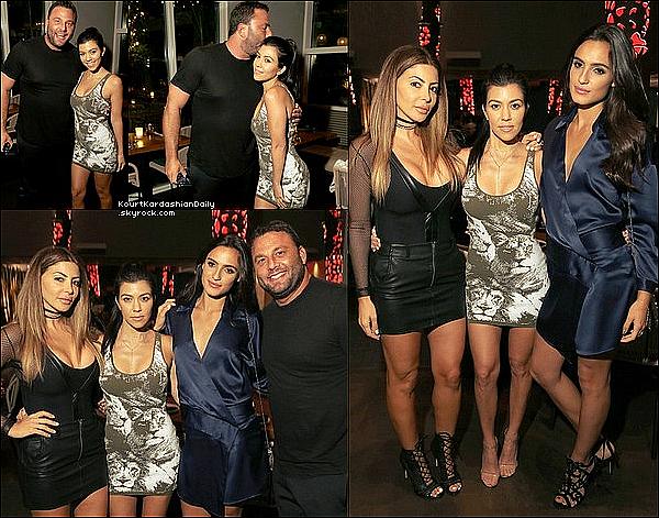 . o1/o7/2o16 : Kourtney est allée au « Kimodo Restaurant » pour l'anniversaire de Dave Grutman - à Miami. ● Kourtney porte une Robe Roberto Cavalli à 1040¤ & des Escarpins Yeezy.  .