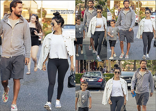 . 27/o8/2o16 : Kourtney, Scott & Mason sont allés dîner à « King's Fish House Restaurant » - à Calabasas. ● Kourtney porte une Veste Maison Scotch, un Sac Hermès à 30260¤, un Pantalon Beyond Yoga à 75¤ & des Baskets APL à 150¤.  .