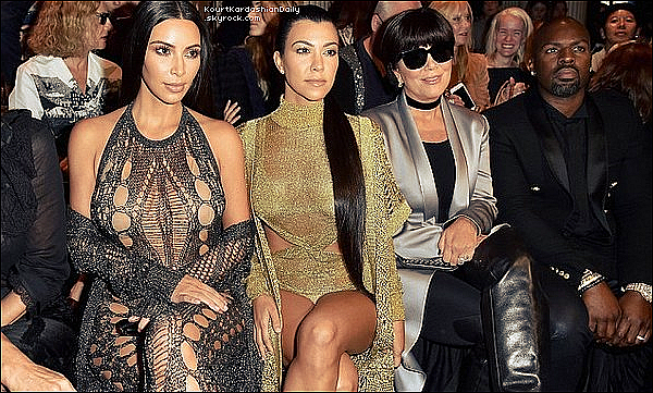 . 28/o9/2o16 : Puis, Kourtney, Kim & Kanye sont allés à la « Paris Fashion Week » - à Paris.  .