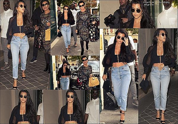 . 29/o9/2o16 : Le soir, Kourtney, Kim & Kanye sont allés à la « Balmain After Party » - à Paris. ● Kourtney porte une Jupe Balmain  & des Escarpins Dsquared2 à 895¤..