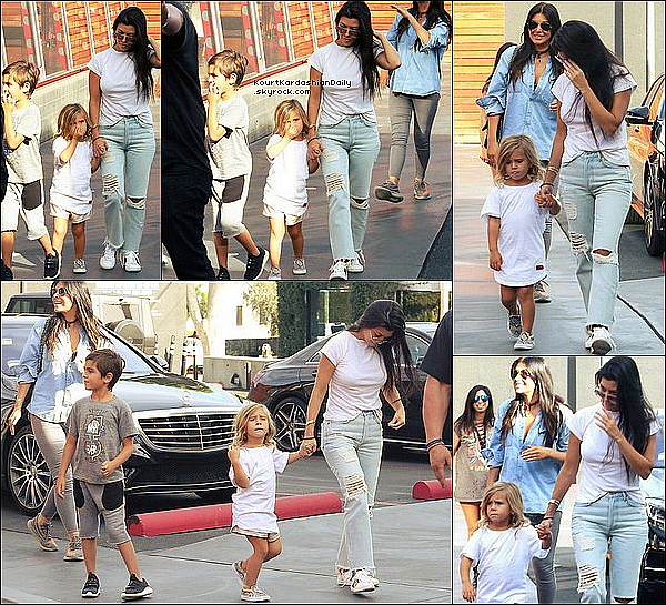 .  o9/1o/2o16 : Kourtney, Scott, Mason & Penelope ont été vus dans les « Rues de Calabasas » - à Calabasas. ● Kourtney porte des Lunettes Chloé, un T-Shirt Re/Done à 70¤ & des Baskets Gucci à 570¤.  ● Mason porte un T-Shirt Junk Food, un Short Jagged Culture à 50¤ & des Chaussures AKID à 70¤.  .