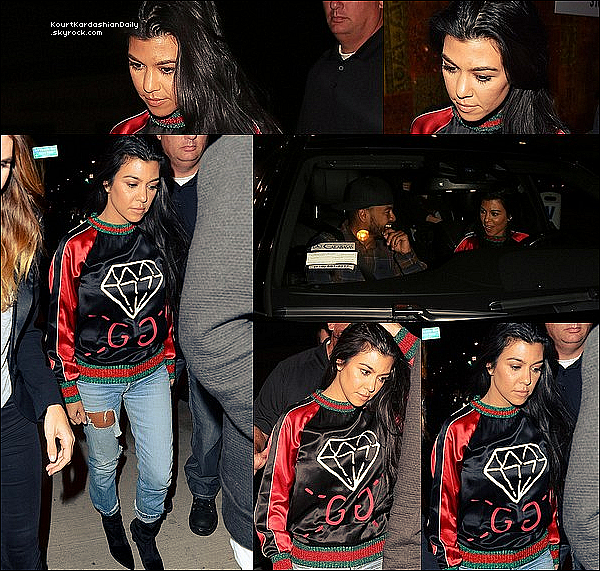 .  13/1o/2o16 : Kourtney est allée dîner à « Catch Restaurant » - à West Hollywood. ● Kourtney porte un Pull Gucci à 910¤, un Pantalon Re/Done à 240¤ & des Bottes Stuart Weitzman à 685¤.  .