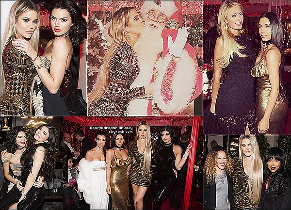 . 24/12/2o16 : Kourtney & toute la famille se sont réunis pour le « Réveillon de Noël » - à Calabasas. ● Kourtney porte un Manteau Tzarina à 2110¤.  .