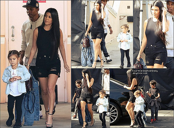 . 17/o3/2o17 : Kourtney a emmenée Mason & Penelope au « Cinéma » - à Los Angeles. ● Kourtney porte un Short Good American à 135¤.  .