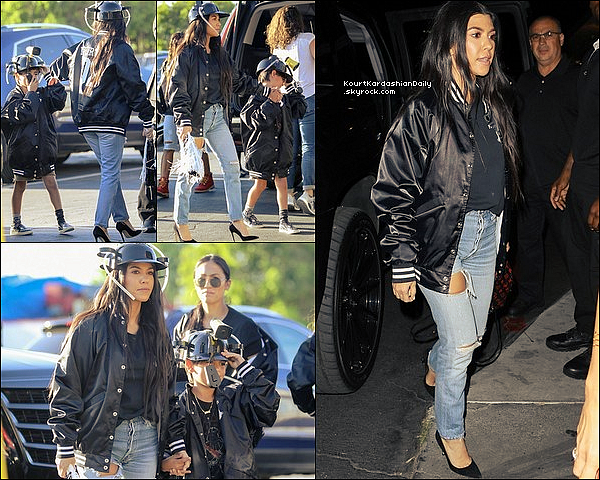 . 28/o3/2o17 : Le soir, Kourtney, Khloé, Virginia Nazari, Khadijah Haqq, Larsa Pippen, Stephanie Shephred, Malika Haqq & Jess Dubb sont « Sorties entre filles » - à Los Angeles. ● Kourtney porte un Sac Louis Vuitton à 1960¤.  .