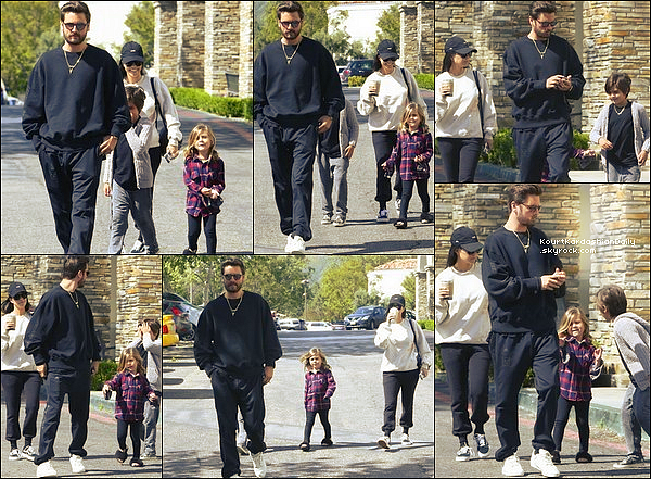 . o8/o4/2o17 : Kourtney & Scott ont emmenés Mason & Penelope au « Cinéma »  - à Los Angeles. ● Kourtney porte un Pull Kanye West, un Sac Louis Vuitton à 1800¤, un Pantalon Alexander Wang & des Baskets Vans.  .