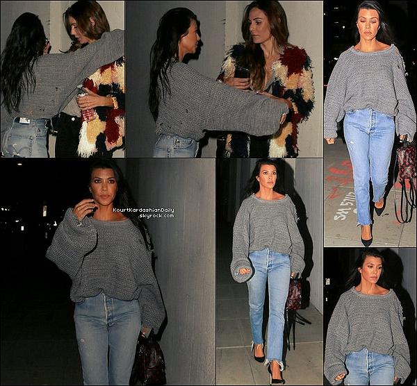 . o3/o5/2o17 : Kourtney & des amis sont allés à « L'Eglise » - à Los Angeles. ● Kourtney porte un Sac Louis Vuitton à 1960¤.   .