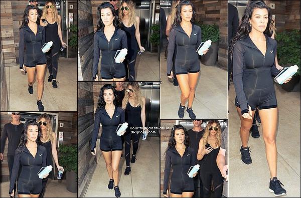 . 23/o6/2o17 : Kourtney & Khloé sont allées à leur « Cours de Sport » - à Los Angeles. .