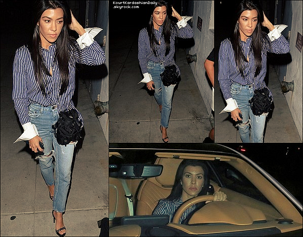 . 16/o8/2o17 : Kourtney & Justin Bieber sont allés à la « Hillsong Church »  - à Hollywood. ● Kourtney porte un Sac Prada & un Jeans Moussy.  .