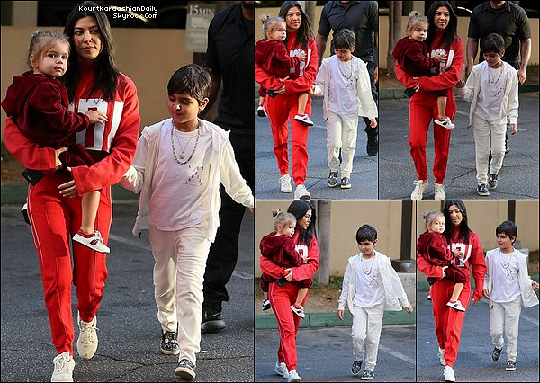 . 17/o1/2o18 : Kourtney a emmenée Mason à son « Cours d'Art » - à Calabasas.  ● Kourt porte un Pull Adidas & des Baskets Adidas Yeezy.  .