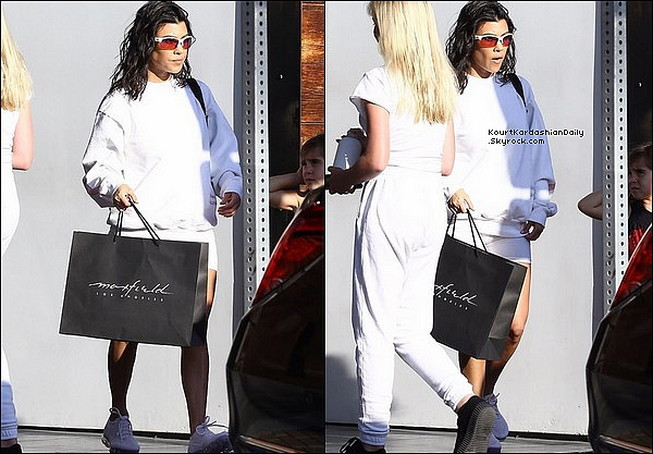 o3/o5/2o18 : Kourtney & Kris sont allées « Faire du Shopping » - à Los Angeles.
