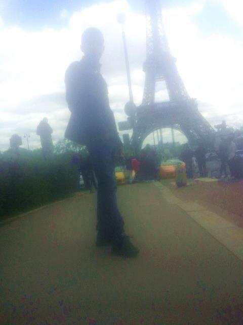 UNE JOURNEE A PARIS