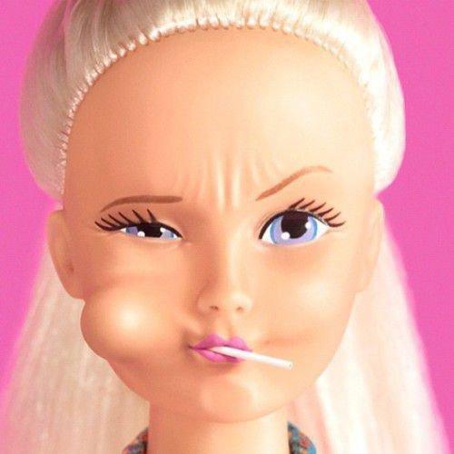 T'est tellement fausse que même Barbie est jalouse, Bitch !