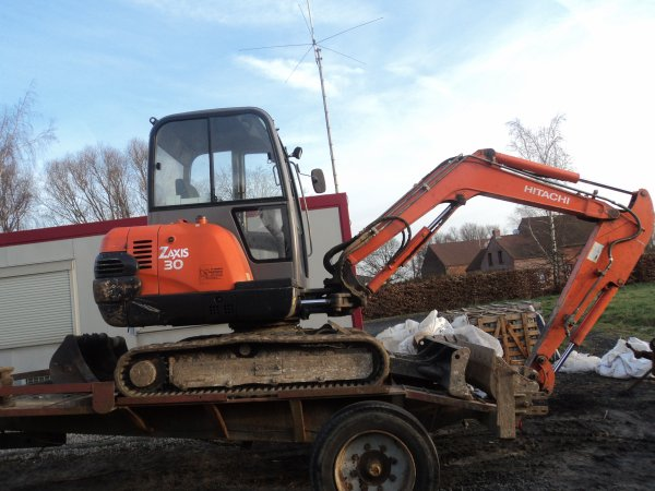 zaxis 30