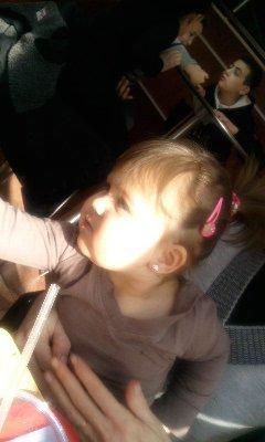 elle mn rayon de soleil ... elle ma fille ... elle ma plus belle fierté ...elle qui me donne le sourire ...elle qui me fait maman ...elle tous simplement