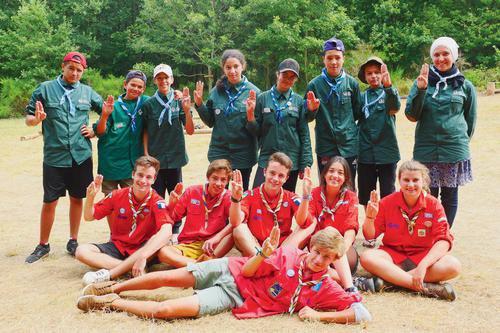 Les scouts dépassent les frontières religieuses