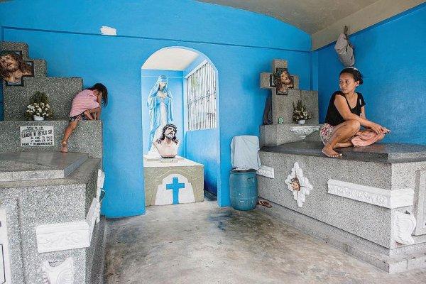 A Manille, le cimetière des morts et des vivants