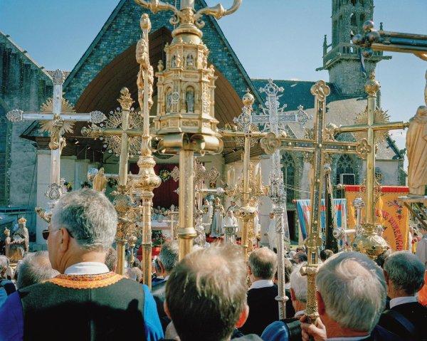 Le retour des pardons en Bretagne