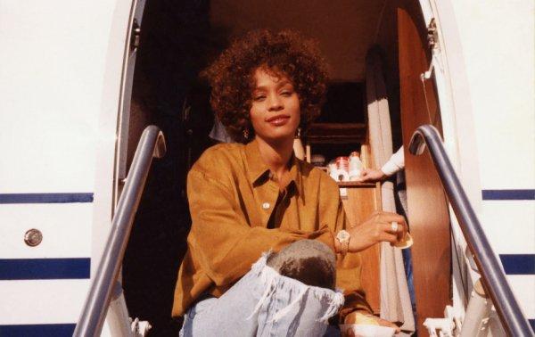 Whitney ***  de Kevin MacDonald  Documentaire américain – 2 h