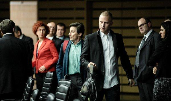 Adults in the room **  de Constantin Costa-Gavras  Film franco-grec, 2h04