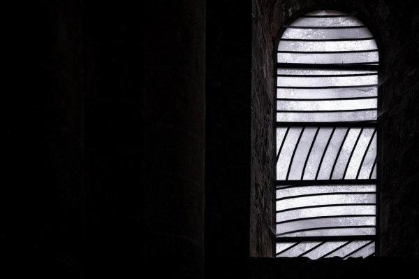 Pierre soulages à Conques, lumières sur un chef-d'½uvre